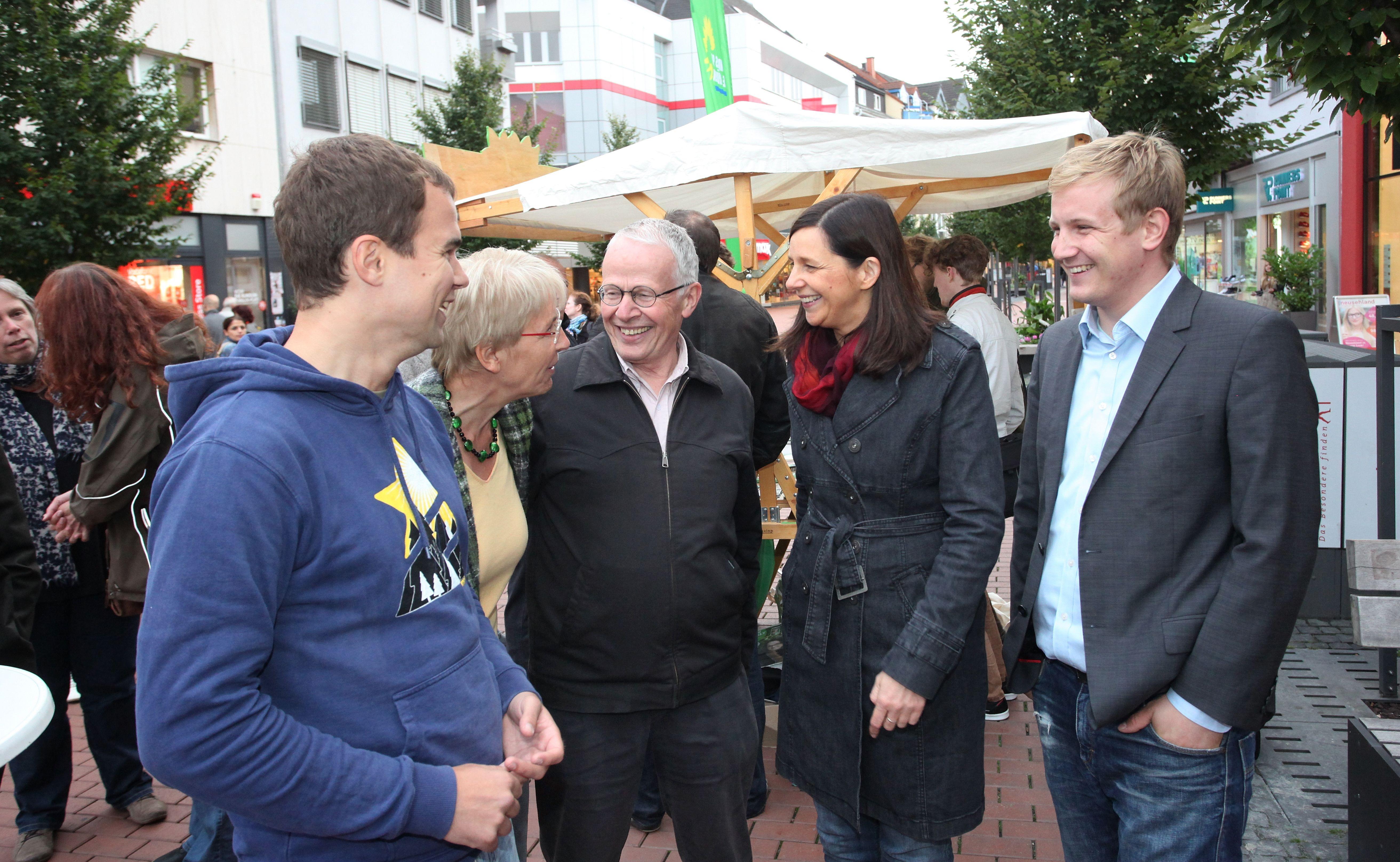 Nach der Veranstaltung mit Gerda Weigel-Greilich, Tom Koenigs, Katrin und Alex Wriht